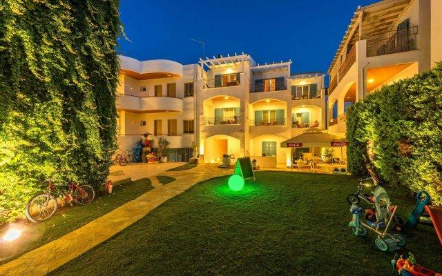 Отель Oasis Beach Hotel Греция, Агистри - отзывы, цены и фото номеров - забронировать отель Oasis Beach Hotel онлайн вид на фасад