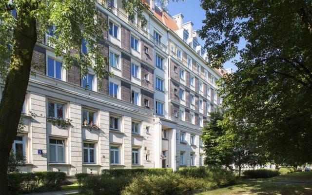 Отель ClickTheFlat Avenue Place Варшава вид на фасад