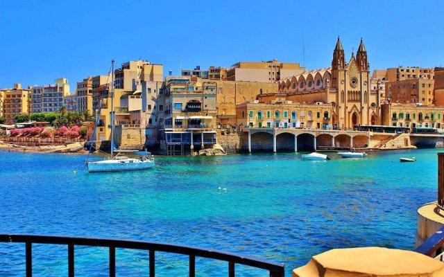 Отель Modern Penthouse in the Heart of Saint Julian's Мальта, Сан Джулианс - отзывы, цены и фото номеров - забронировать отель Modern Penthouse in the Heart of Saint Julian's онлайн