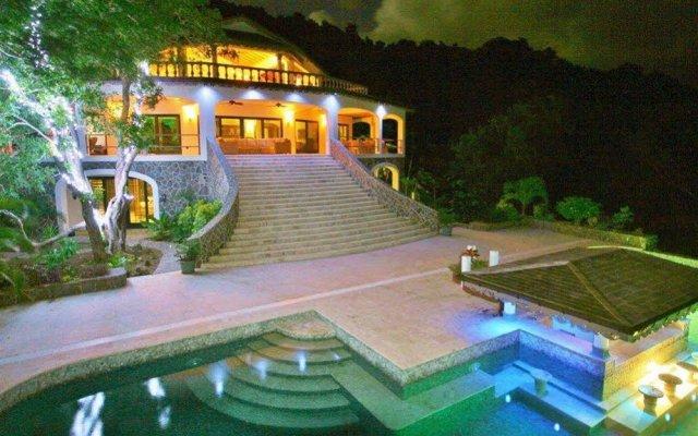 Отель Tropical Hideaway вид на фасад