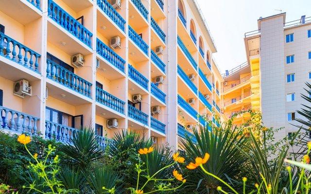 Отель Морская звезда (Лазаревское) Сочи вид на фасад