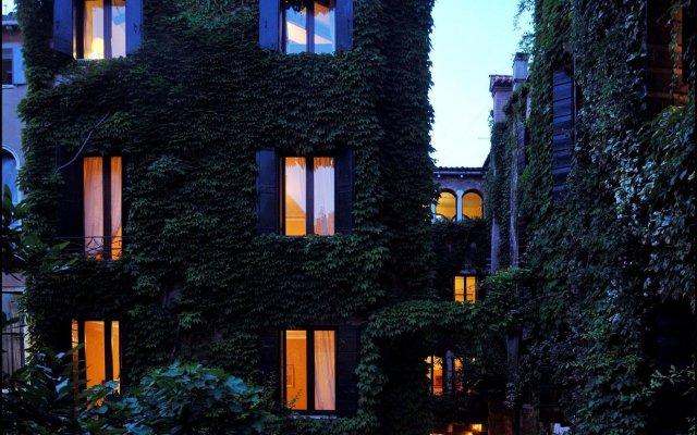 Hotel Flora вид на фасад