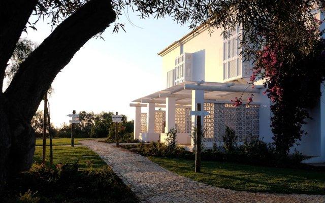 Отель Vila Monte Farm House Португалия, Монкарапашу - отзывы, цены и фото номеров - забронировать отель Vila Monte Farm House онлайн вид на фасад