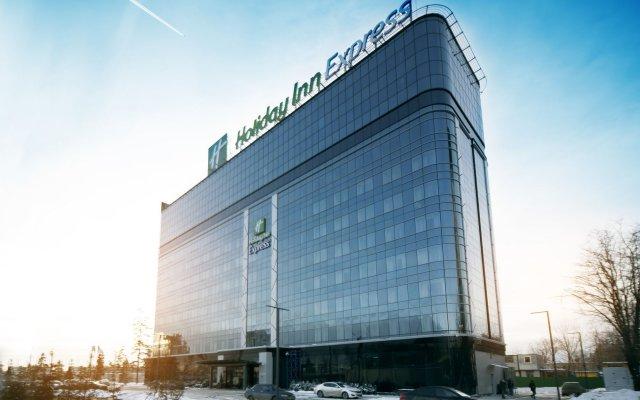 Гостиница Холидей Инн Экспресс Москва Аэропорт Шереметьево вид на фасад