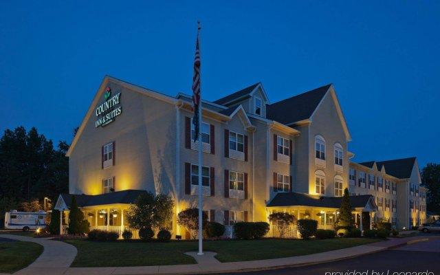 Отель Country Inn & Suites Columbus Airport-East вид на фасад
