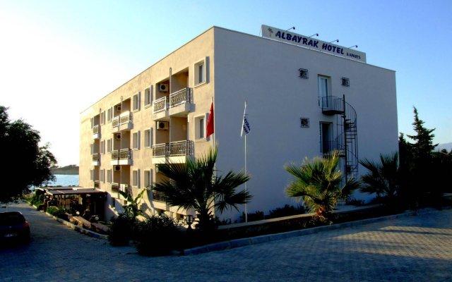 Albayrak Apart Hotel Чешме вид на фасад