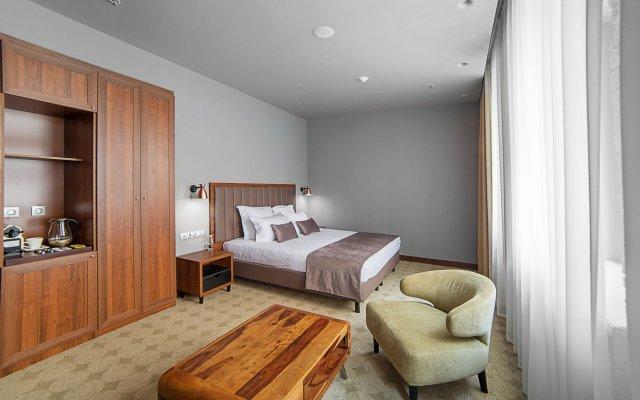 V Hotel комната для гостей