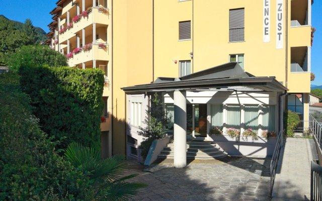 Hotel Residence Zust Вербания вид на фасад