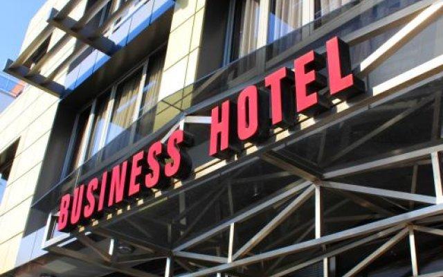 Отель Бизнес Отель Пловдив Болгария, Пловдив - отзывы, цены и фото номеров - забронировать отель Бизнес Отель Пловдив онлайн вид на фасад