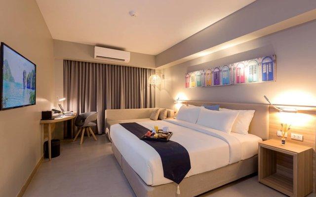 Oakwood Hotel Journeyhub Phuket комната для гостей