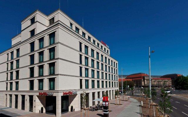 Отель InterCityHotel Leipzig вид на фасад