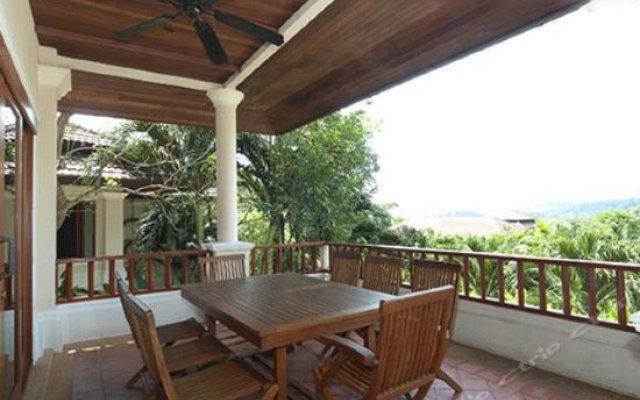 Отель Lakewood Hills Villa 11 балкон