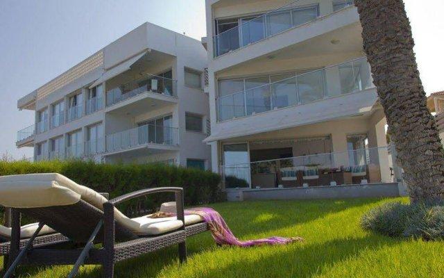 Отель Trident Beach Front Suite Кипр, Протарас - отзывы, цены и фото номеров - забронировать отель Trident Beach Front Suite онлайн вид на фасад