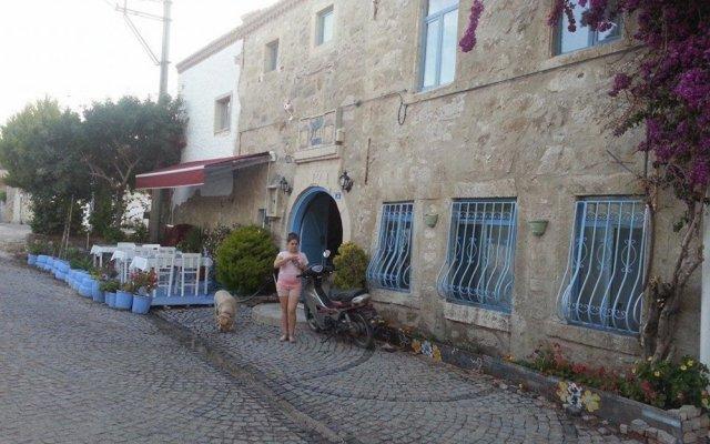 Radika Hotel Чешме вид на фасад
