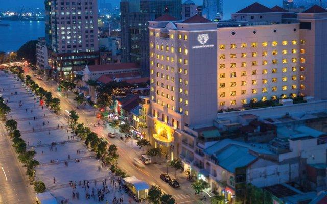 Saigon Prince Hotel вид на фасад