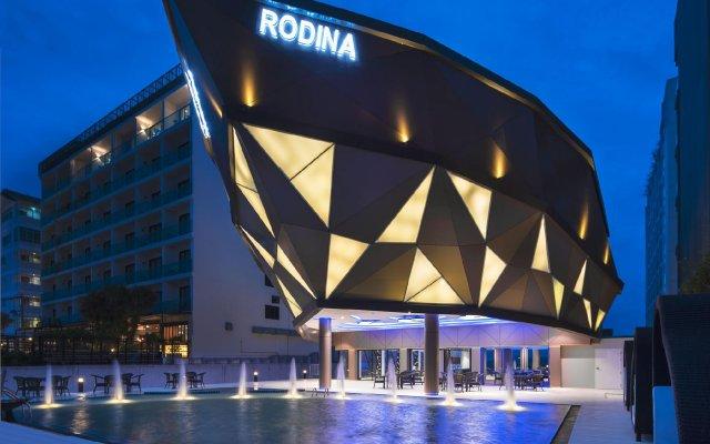 Rodina Beach Hotel вид на фасад