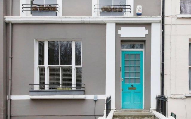 Отель Stunning 2 Bedroom Apartment With Garden in Notting Hill Великобритания, Лондон - отзывы, цены и фото номеров - забронировать отель Stunning 2 Bedroom Apartment With Garden in Notting Hill онлайн вид на фасад