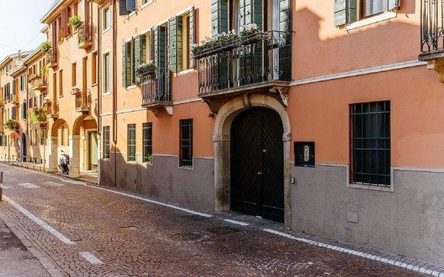 Отель oM Plus Prato della Valle Италия, Падуя - отзывы, цены и фото номеров - забронировать отель oM Plus Prato della Valle онлайн вид на фасад