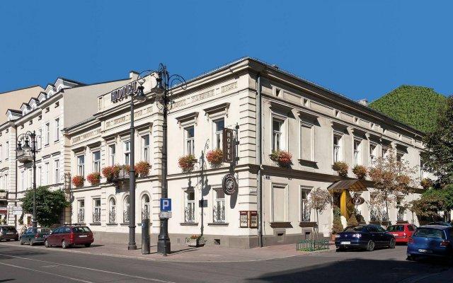 Fortuna Hotel Краков вид на фасад