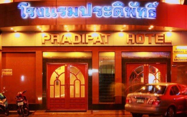 Отель PRADIPAT Бангкок вид на фасад