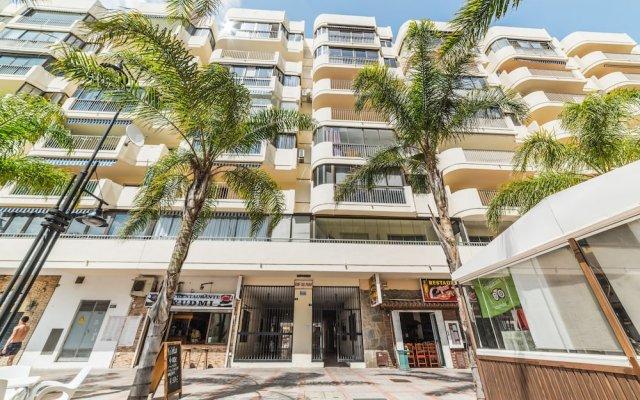 Отель Edicicio Sol Playa   5 Pax   First Line   3652-AW Испания, Фуэнхирола - отзывы, цены и фото номеров - забронировать отель Edicicio Sol Playa   5 Pax   First Line   3652-AW онлайн вид на фасад