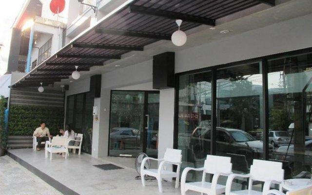 Отель We Bangkok Бангкок вид на фасад
