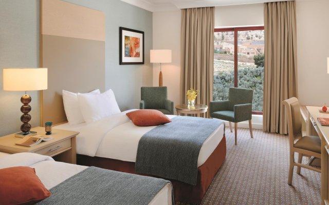 Отель Movenpick Resort Petra Иордания, Вади-Муса - 1 отзыв об отеле, цены и фото номеров - забронировать отель Movenpick Resort Petra онлайн комната для гостей