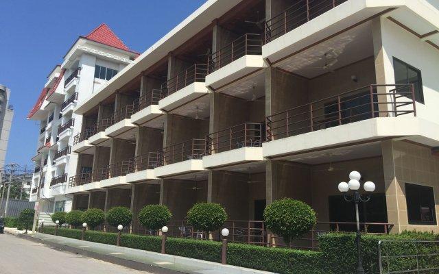 Отель Marsi Pattaya вид на фасад