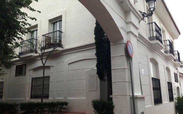 Отель Apartamentos La Fonda вид на фасад