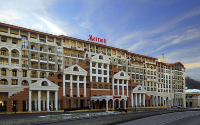 Гостиница Сочи Марриотт Красная Поляна вид на фасад
