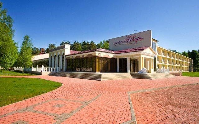Гостиница Тверь в Твери 2 отзыва об отеле, цены и фото номеров - забронировать гостиницу Тверь онлайн вид на фасад