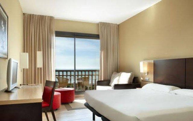 Отель Confortel Calas de Conil Испания, Кониль-де-ла-Фронтера - отзывы, цены и фото номеров - забронировать отель Confortel Calas de Conil онлайн комната для гостей