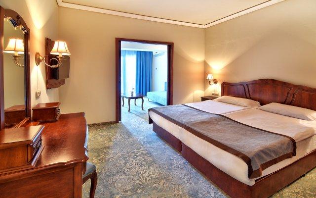 Grifid Hotel Bolero & AquaPark комната для гостей