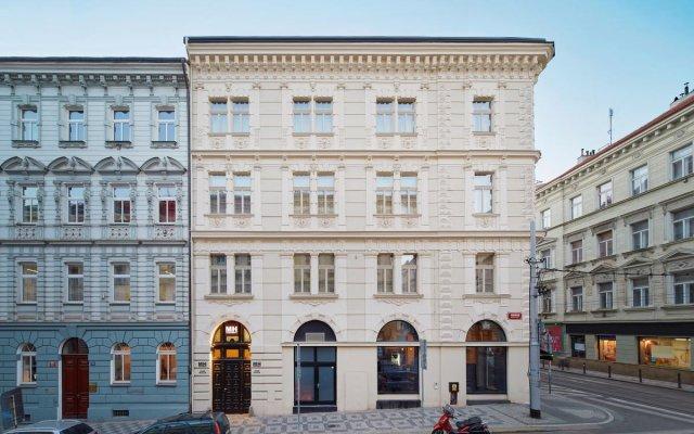 Апартаменты MH Apartments River Prague вид на фасад