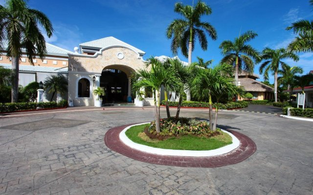 Отель Grand Bahia Principe Turquesa - All Inclusive вид на фасад