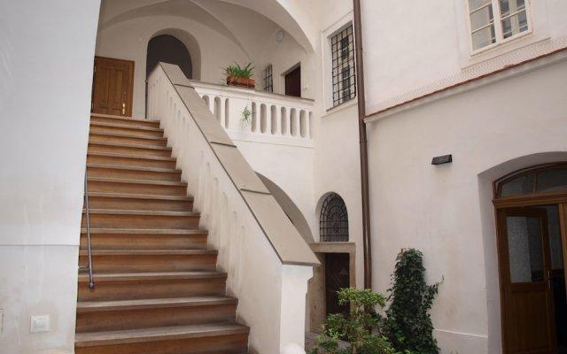 Апартаменты Castle apartment Прага вид на фасад