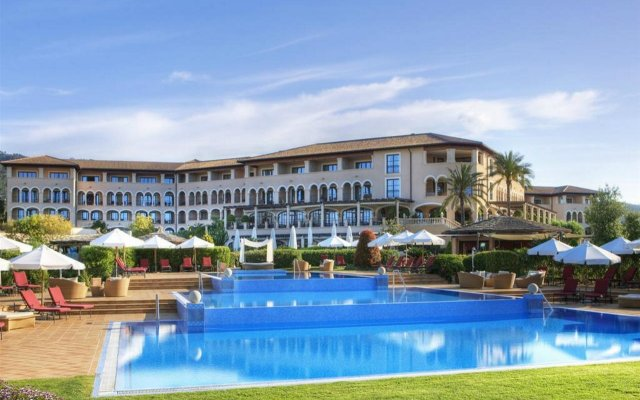 Отель The St. Regis Mardavall Mallorca Resort вид на фасад