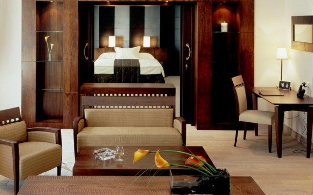 Отель Mamaison Hotel Le Regina Warsaw Польша, Варшава - 12 отзывов об отеле, цены и фото номеров - забронировать отель Mamaison Hotel Le Regina Warsaw онлайн комната для гостей