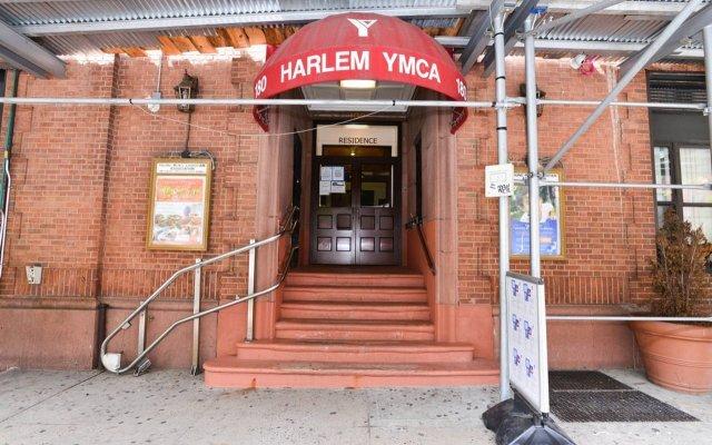 Отель Harlem YMCA США, Нью-Йорк - 2 отзыва об отеле, цены и фото номеров - забронировать отель Harlem YMCA онлайн вид на фасад