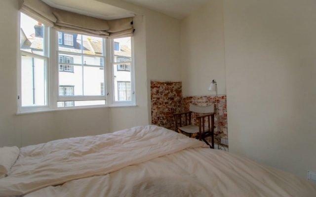 Апартаменты Brilliant High-end Apartment in Brighton Sleeps 6 комната для гостей