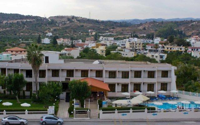 Отель Golden Days вид на фасад
