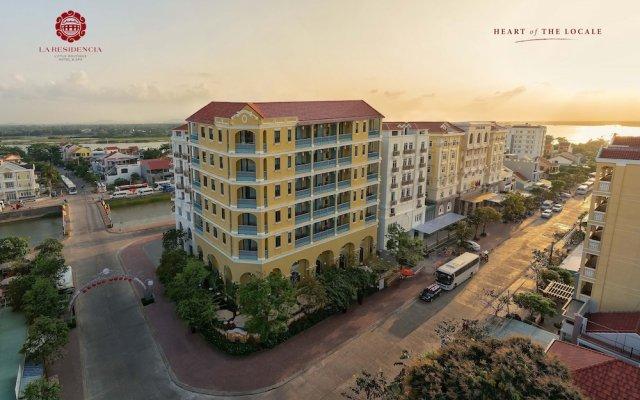 Отель La Residencia. A Little Boutique Hotel & Spa Вьетнам, Хойан - отзывы, цены и фото номеров - забронировать отель La Residencia. A Little Boutique Hotel & Spa онлайн вид на фасад