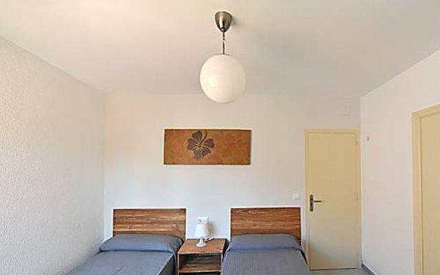 Отель Hostal Ancora Испания, Льорет-де-Мар - отзывы, цены и фото номеров - забронировать отель Hostal Ancora онлайн комната для гостей