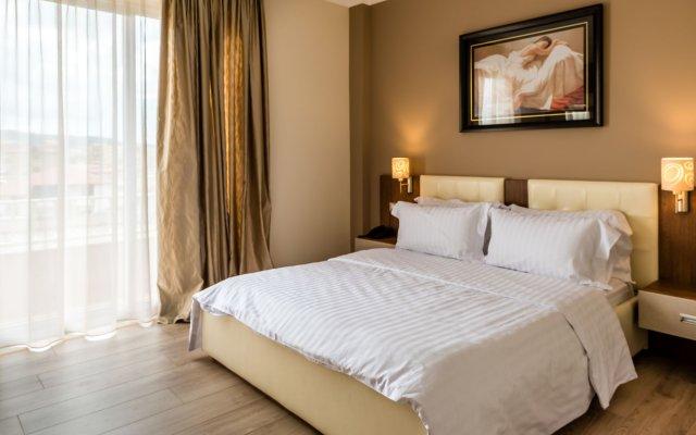 Dilo Hotel 2