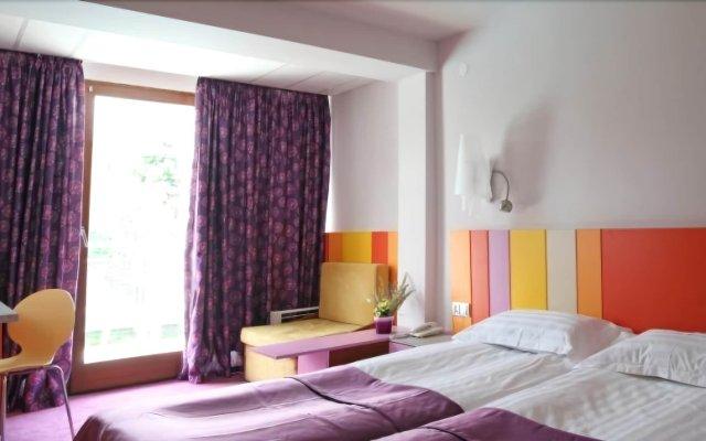 Отель Koral Болгария, Св. Константин и Елена - 1 отзыв об отеле, цены и фото номеров - забронировать отель Koral онлайн комната для гостей