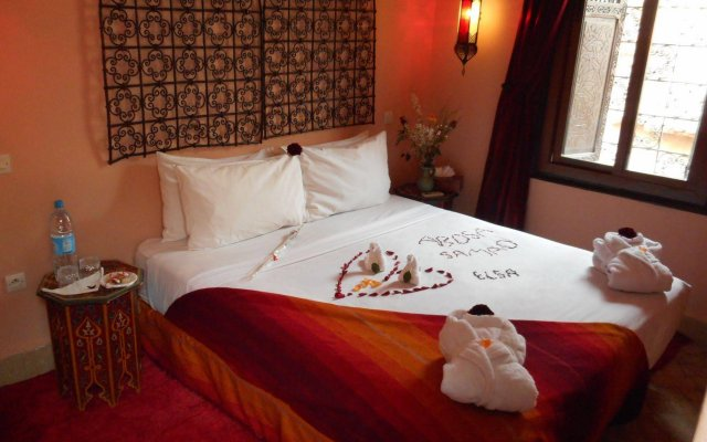 Отель Riad Hugo Марокко, Марракеш - отзывы, цены и фото номеров - забронировать отель Riad Hugo онлайн вид на фасад