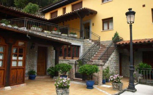 Hotel La Molinuca вид на фасад