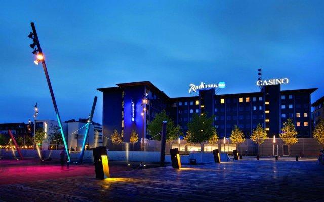 Radisson Blu Limfjord Hotel Aalborg вид на фасад