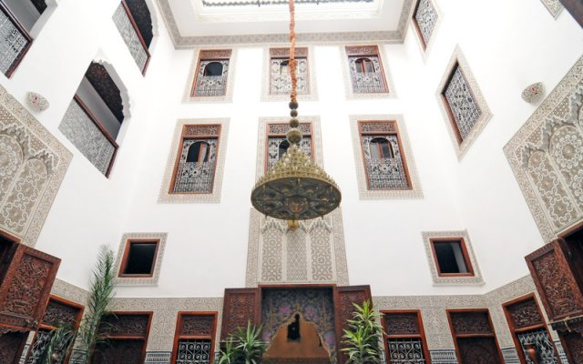 Отель Riad dar Chrifa Марокко, Фес - отзывы, цены и фото номеров - забронировать отель Riad dar Chrifa онлайн вид на фасад