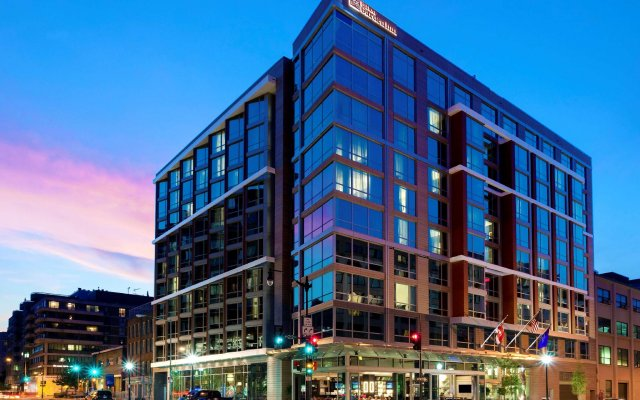 Отель Hilton Garden Inn Washington DC/Georgetown Area вид на фасад